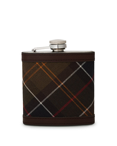Barbour Lifestyle Classic Hip Flask Brown i gruppen Tilbehør hos Care of Carl (10050710)