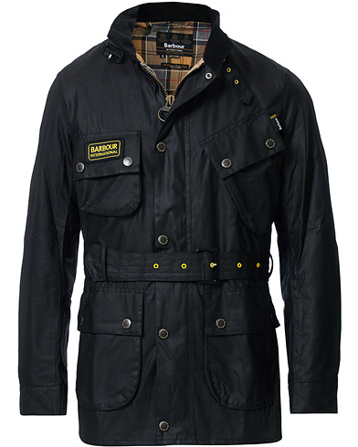 Barbour International Slim Wax Jacket Black i gruppen Tøj / Jakker / Oilskinsjakker hos Care of Carl (12016111r)