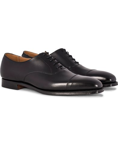 Crockett & Jones Hallam Oxford Black Calf i gruppen Sko / Oxfords hos Care of Carl (12049811r)