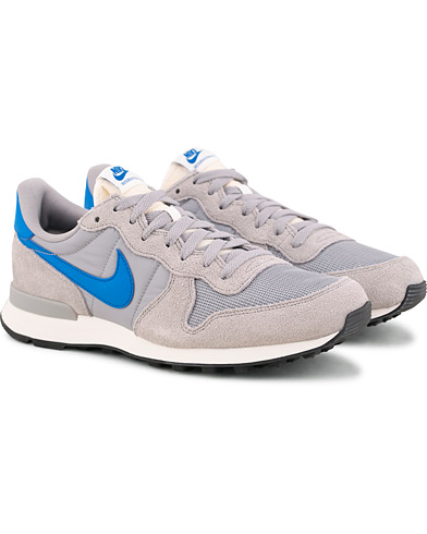 Nike Internationalist Running Sneaker Grey i gruppen Sko / Sneakers / Sneakers med lavt skaft hos Care of Carl (15235211r)