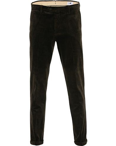NN07 Soho Corduroy Trousers Army Green