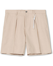 BOSS Pepe Pleated Shorts Nature