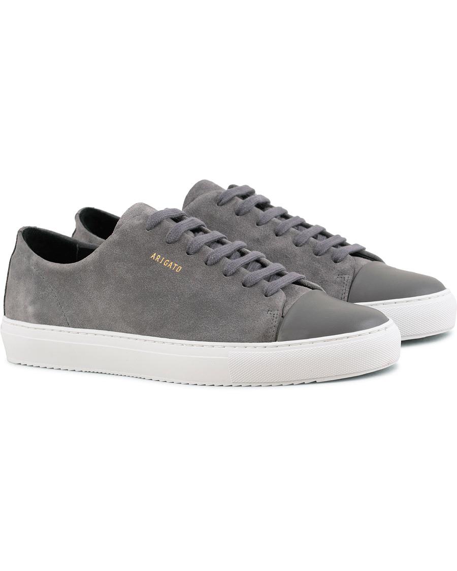 ca8d1f6bd19 Axel Arigato Cap Toe Sneaker Dark Grey Suede hos CareOfCarl.dk