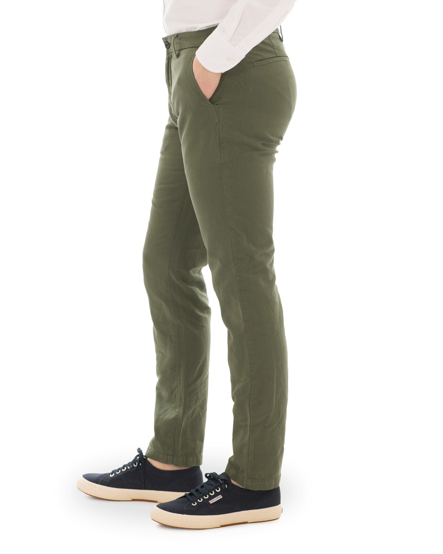 NN07 Karl Cotton Linen Trousers Moss Green hos CareOfCarl.dk f5755f9cd2237