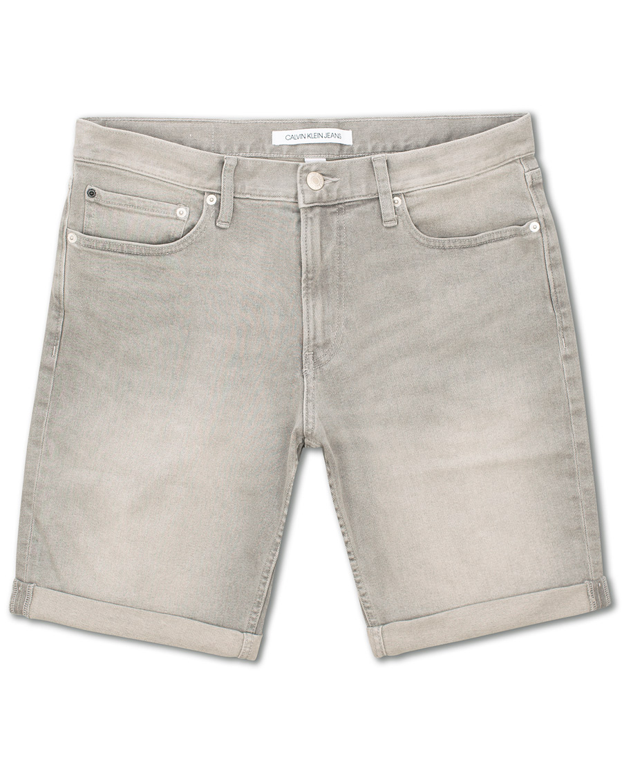 56145e15894 Calvin Klein Jeans Slim Jeans Shorts Grey hos CareOfCarl.dk