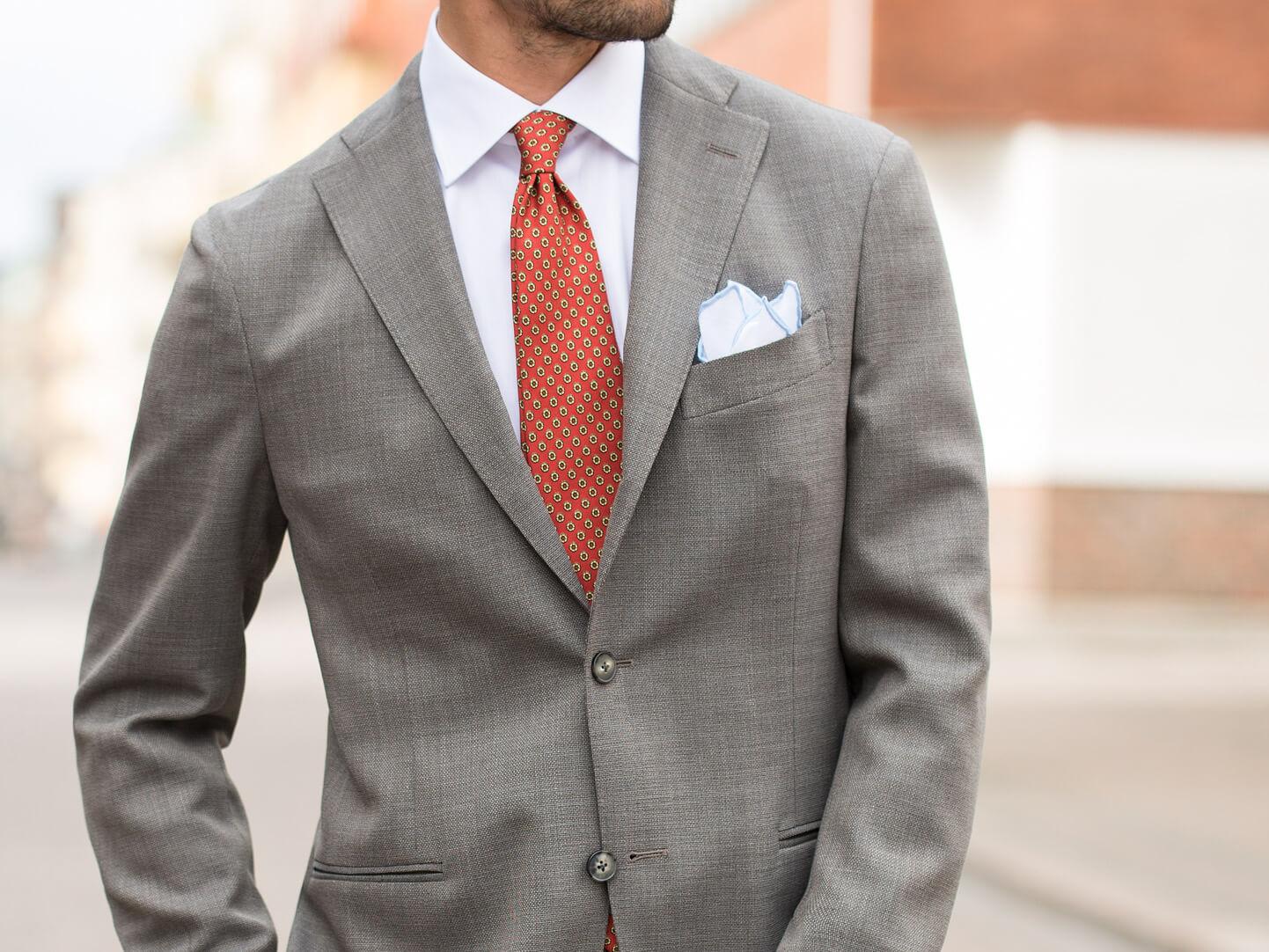 839dc7273b5 Kombiner slips og lommeklud   CareOfCarl.dk